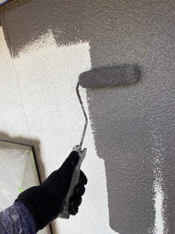 東区 外壁塗装 中塗り  遮熱塗料サムネイル