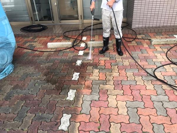 中央区 ビル駐車場・歩道 高圧洗浄サムネイル