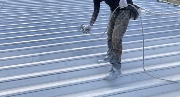 菊陽町 店舗 折半屋根 下塗りサムネイル