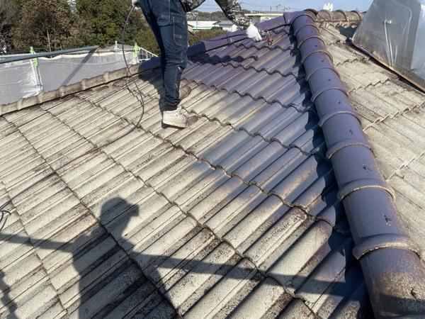 東区住宅 屋根中塗り モニエル瓦 遮熱塗料サムネイル
