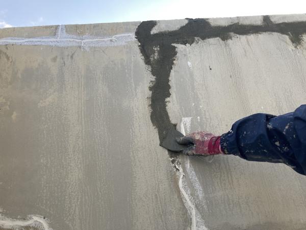 北区ビル 外壁クラック箇所 下地処理 Uカットサムネイル