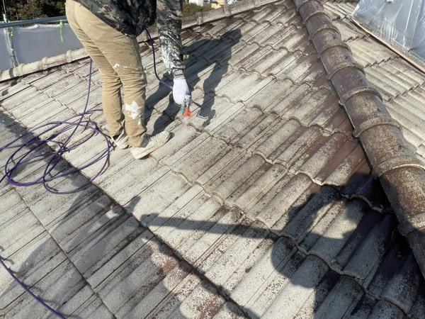 東区住宅 屋根下塗り モニエル瓦サムネイル