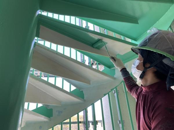西区マンション 鉄骨階段サムネイル