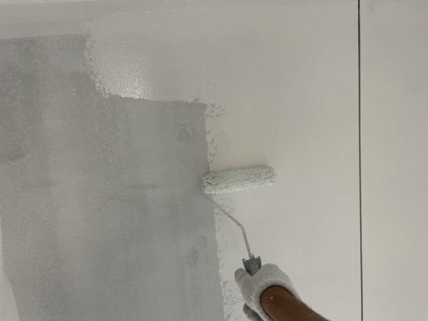 下通り店舗 内壁上塗りサムネイル