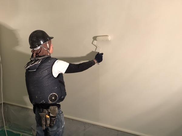 ガレージ内部 天井・壁塗装サムネイル